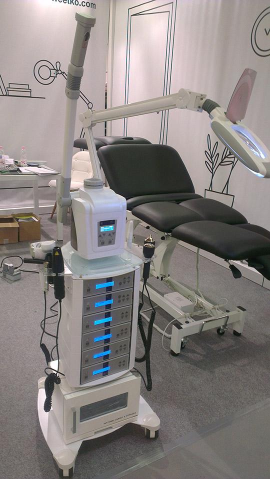 Kozmetični stolp FOX-3021 | B-System |